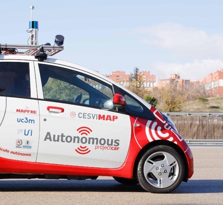 Investigando cómo se comporta el vehículo autónomo para avanzar en una nueva forma de movilidad