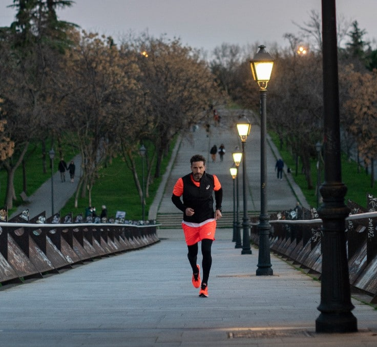 """""""Cruzar a linha de chegada recompensa todos os esforços da preparação para a maratona"""""""