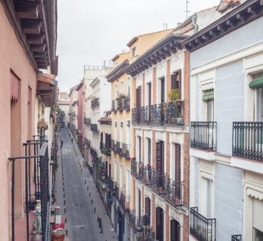 Ciudades y barrios se redibujan lentamente
